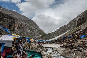 A large number of pilgrims at 4,200 meters, has a heavy impact on the ecology [image by: sandeepachetan.com]