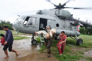 An Indian Air Force helicopter evacuates victims of the 2014 floods in Jammu and Kashmir [Image by: Pacific Press Media Production Corp./Alamy]