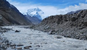 """A study by researchers from India, Norway and the Czech Republic shows that melting Himalayan glaciers can be """"major contributors"""" of pollutants. (Image by tian yake)"""