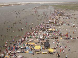 Banks of the Ganga near Allahabad [image by Anthony Acciavatti]