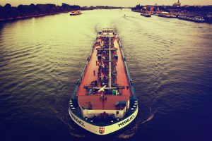 Inland waterways could revolutionise trade in South Asia [image by fr4dd/Flickr]