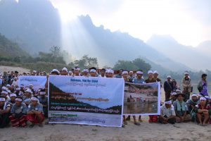 Ethnic groups along the Salween support International RiversDay to celebrate the importance of preserving the great rivers of the world (courtesy of Kesan media group)