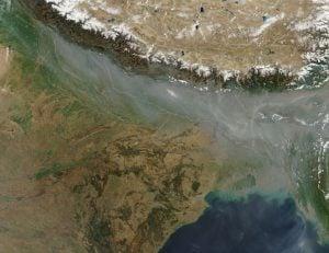 Smog over northern India [image by NASA]