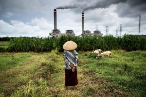 """Governments should not use poverty-reduction to justify coal projects that would condemn millions to a life of poor health"" (Image by Kemal Jufri / Greenpeace)"