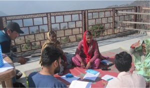 Participants of a Narrative Workshop in Chamba facilitated, in Hindi, by local partner Integrated Sustainable Energy andEcological Development Association (INSEDA). Photo by INSEDA from report