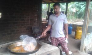 Bandara says his productivity has increased since he began using an industrial 'green' stove [image by: Dilrukshi Handunnetti]