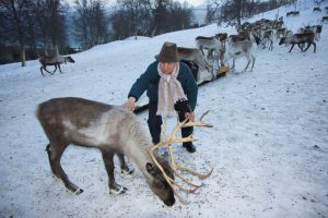 Changlin Xu (Yak herder from the Tibetan Autonomous Region meets his first reindeer [image: courtesy ICIMOD]