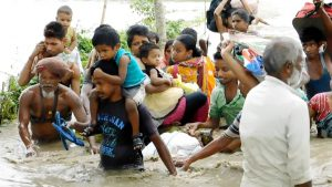 Escaping the Dhansiri floods in Assam [Image by: Rubul Ahmed]