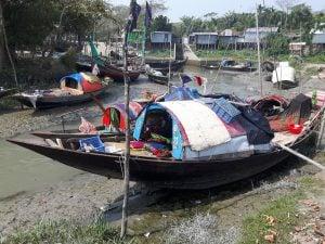 boats made into homes Bhola