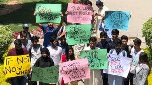 University students in Karachi [image courtesy: FridaysForFuture Pakistan]
