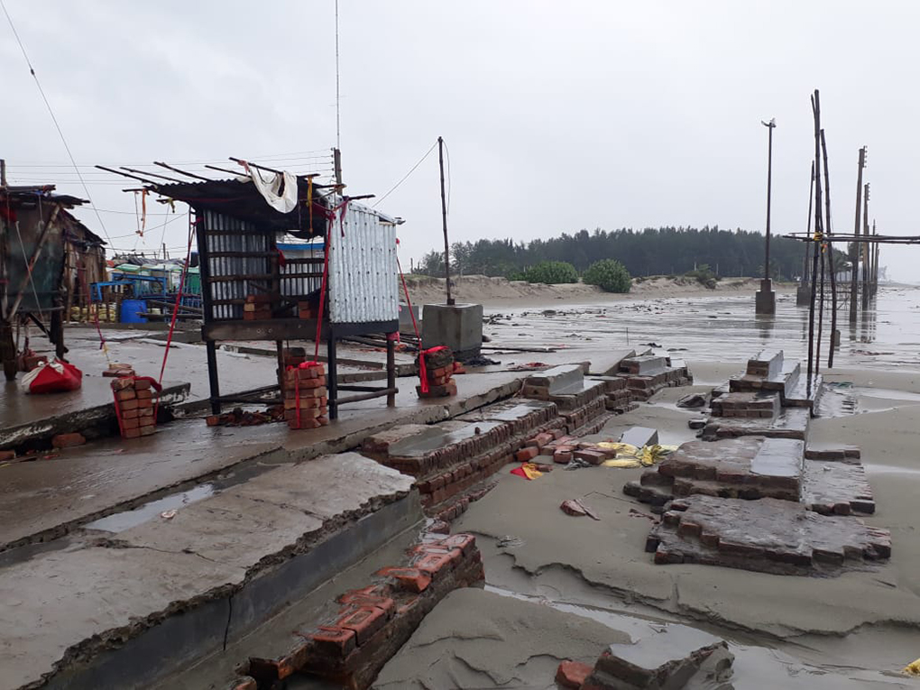 A wall being built to safeguard a part of Sagar Island from the rising sea was destroyed by Cyclone Bulbul [image courtesy: local resident]