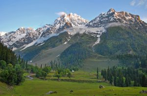 """Sonamarg, which means """"golden meadow"""", has been carefully preserved in Kashmir, but it may not be for much longer (Image: Rajesh/Himalayan Trails)"""