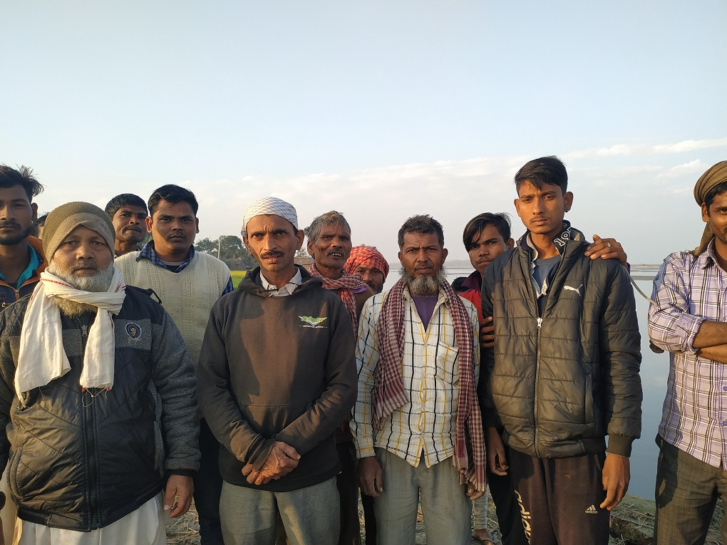 The labourers who live in Rahul Nagar [image by: Manoj Singh]