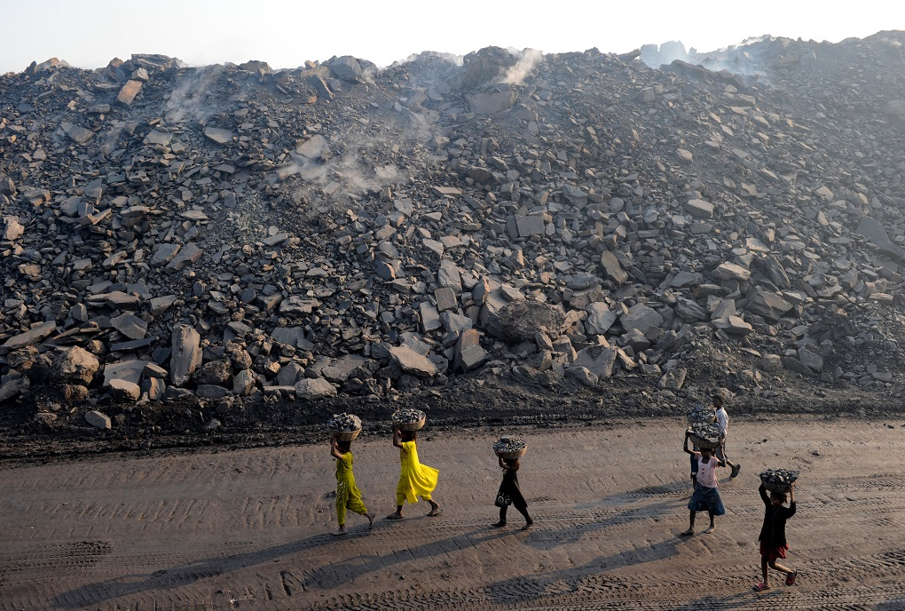 Jharia children collect coal from coalfields in Jharkhand [image: Alamy]