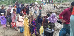 Residents of the coastal region Bhola in Bangladesh being evacuated to shelters on Tuesday in anticipation of Cyclone Amphan [image by: Chhoton Saha]