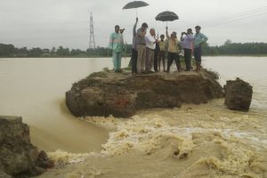 People marooned in the 2020 floods along the Kosi river [image by: Kailash Singh]