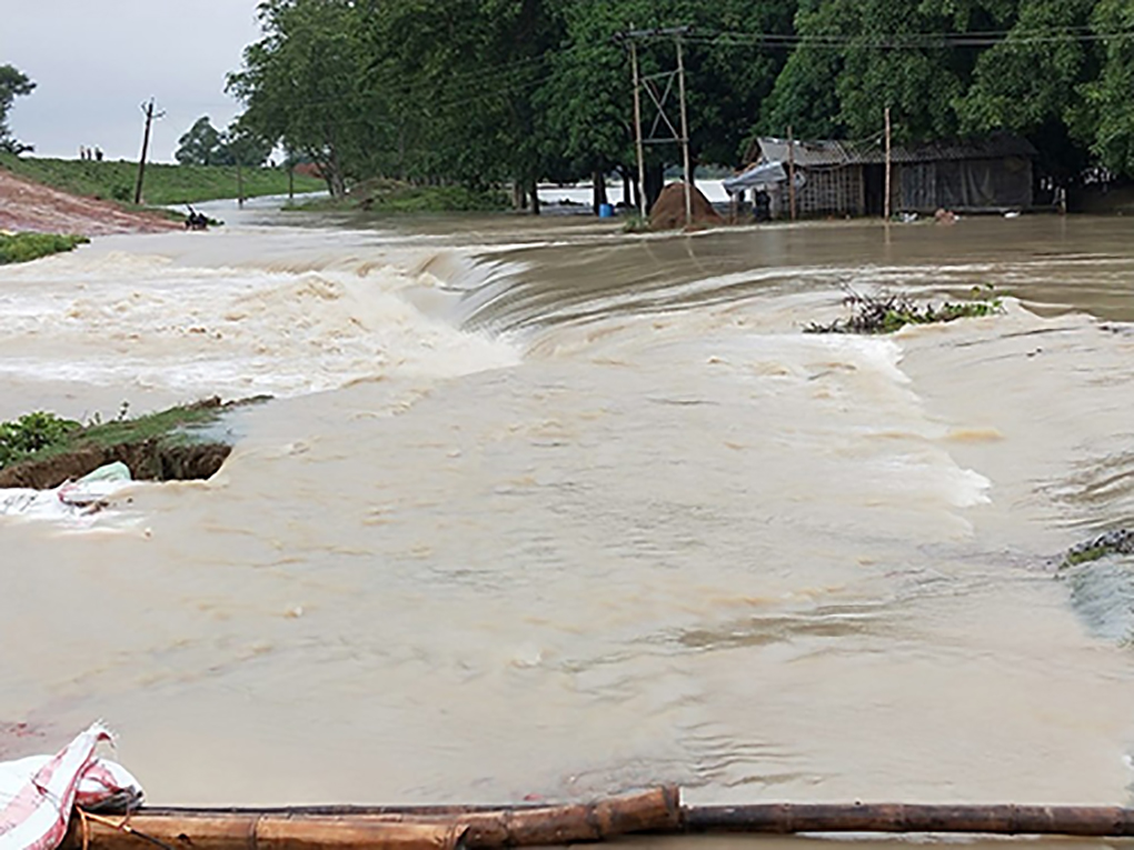 Floodwater enters a village in Bihar's Supaul district in early August 2020 [image by: Kailash Singh]