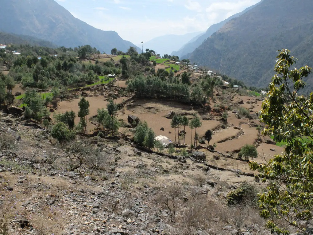 Dry fields in the Khumbu valley in Nepal before the summer monsoon [image by: Ann Rowan]