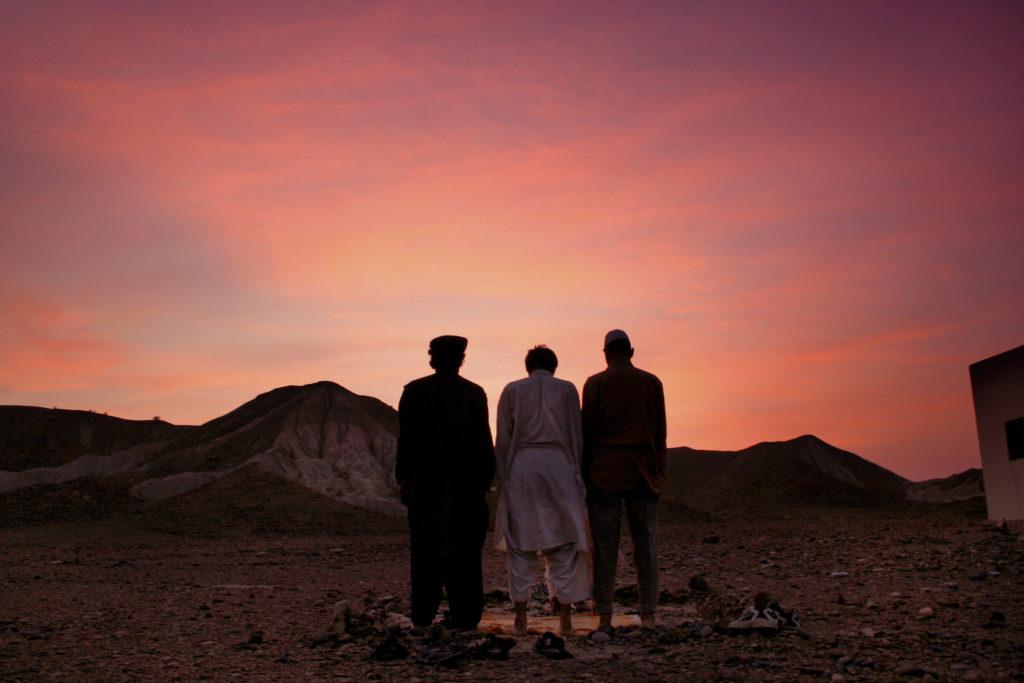 ہنگول نیشنل پارک میں غروب آفتاب، پاکستان کے 31 قومی پارکوں میں سے ایک ہے ، جو سن 1988 میں قائم ہوا ( تصویر بشکریہ غلام رسول)