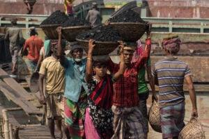 Coal unloaded, Dhaka, Bangladesh, Azim Khan Ronnie/Alamy