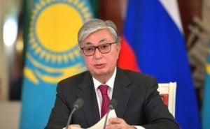 Президент Казахстана Касым-Жомарт Токаев, выступил на пресс-конференции в 2019 году. Казахстан был исключением Центральной Азии на Международном саммите климатических амбиций в последнем году, так как Токаев заявил об обещании, что Казахстан достигнет углеродной нейтральности к 2060 году. (фото: русское правительство/алами)