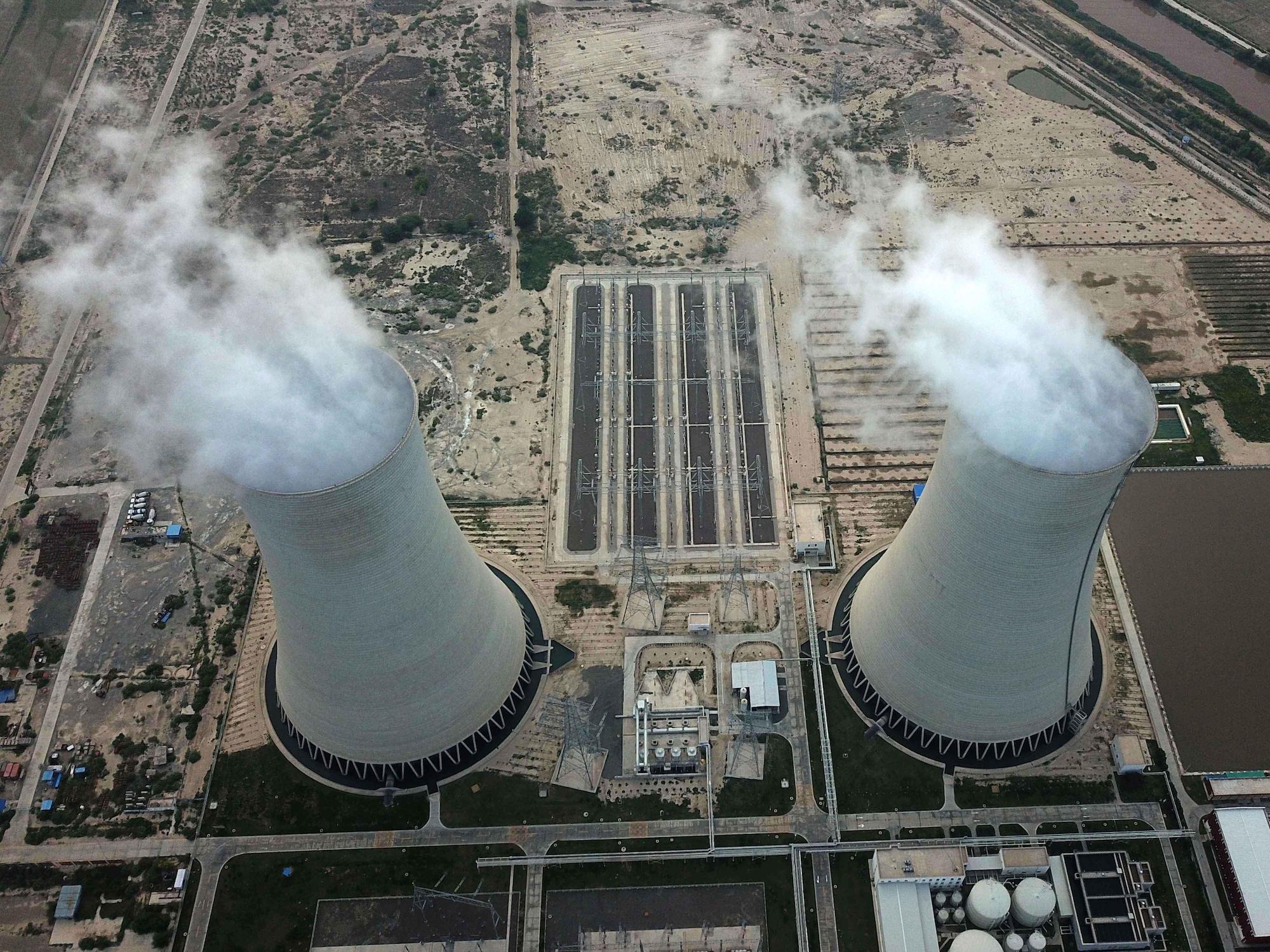 चीन-पाकिस्तान आर्थिक कोरिडोरमा निर्मित कोइलाबाट चल्ने सहिवाल बिजुली प्लान्ट (तस्विर : अलामी)