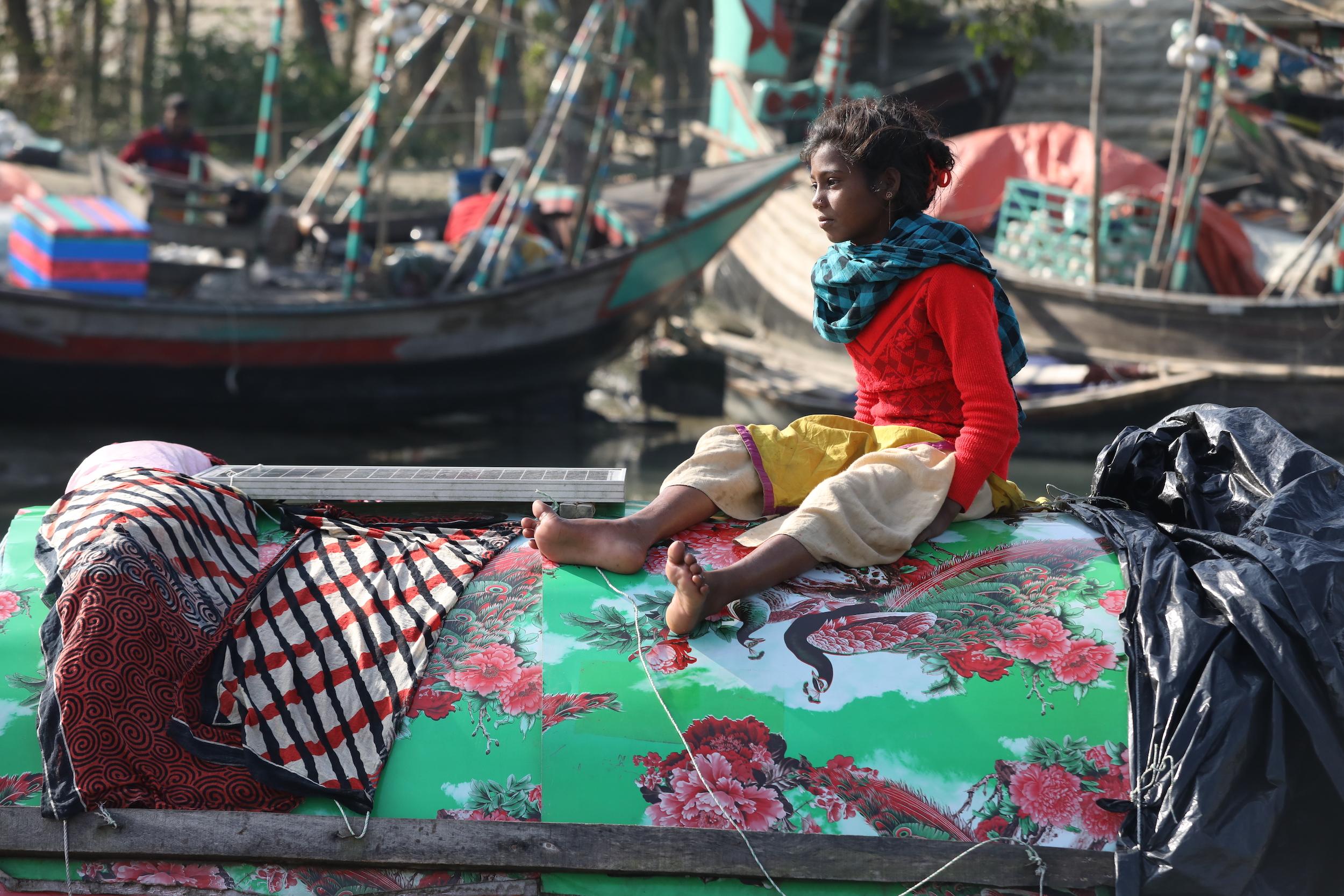 solar panel on boat Bhola river