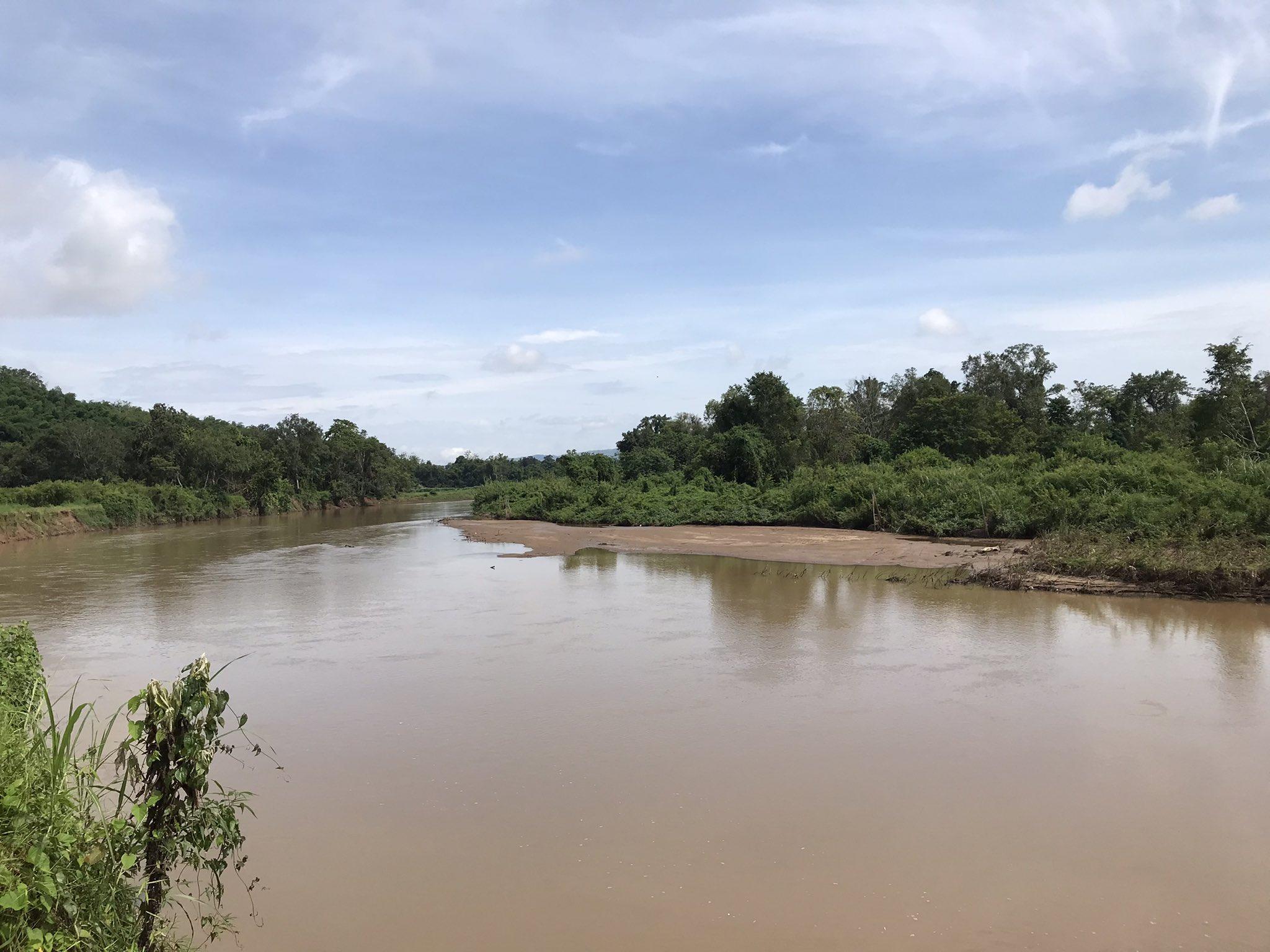 Sandbanks showing on the river Ruak during the rainy season, July 2021